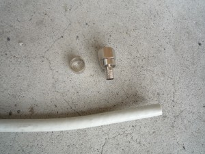 同軸ケーブルとF型コネクタ