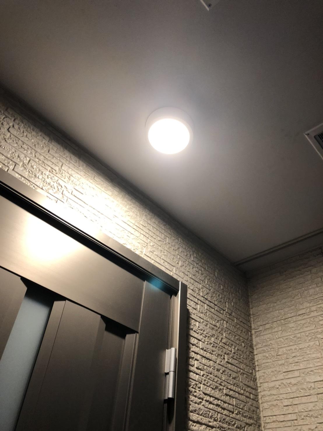 LED玄関ライトの明るさ